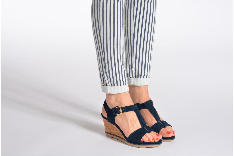 Sandales et nu-pieds Lotus Mirror Bleu vue bas / vue portée sac