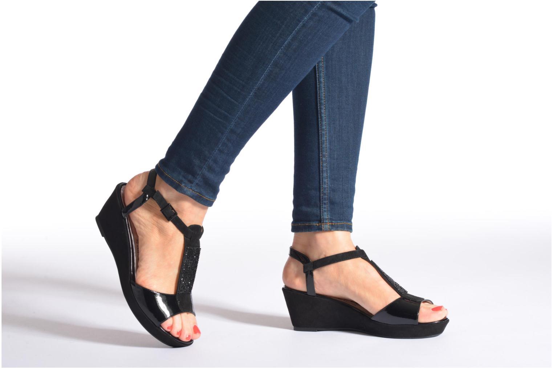 Sandales et nu-pieds Madison Escada Beige vue bas / vue portée sac