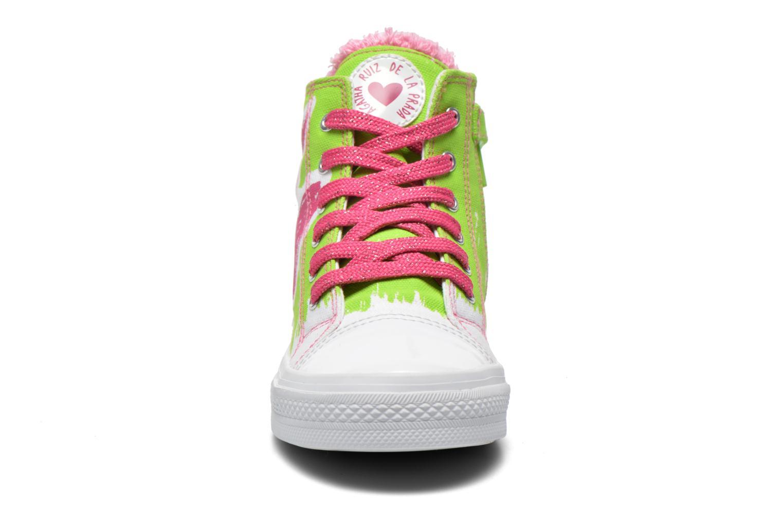 Sneakers Agatha Ruiz de la Prada Delfina Verde modello indossato