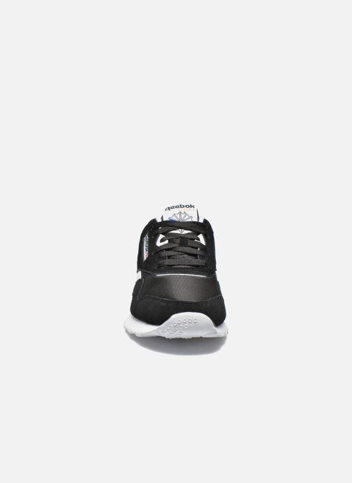 Baskets Reebok Classic Nylon Noir vue portées chaussures