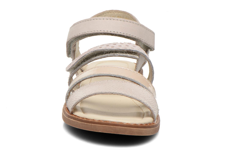 Sandales et nu-pieds Aster TCHAK Gris vue portées chaussures