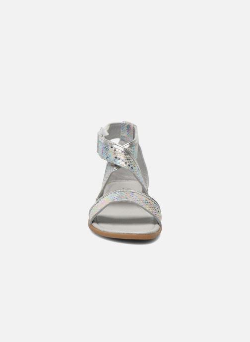 Sandales et nu-pieds Mod8 Joyce Argent vue portées chaussures