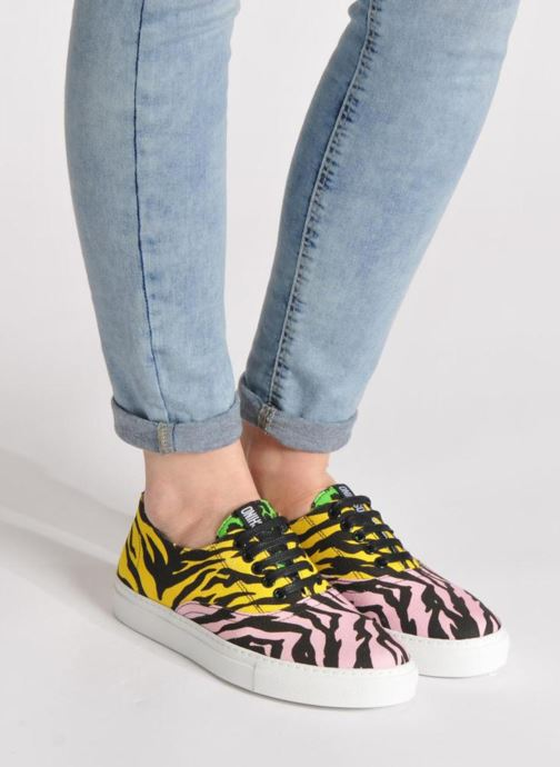 Sneaker Moschino Cheap & Chic Animalier 2 mehrfarbig ansicht von unten / tasche getragen