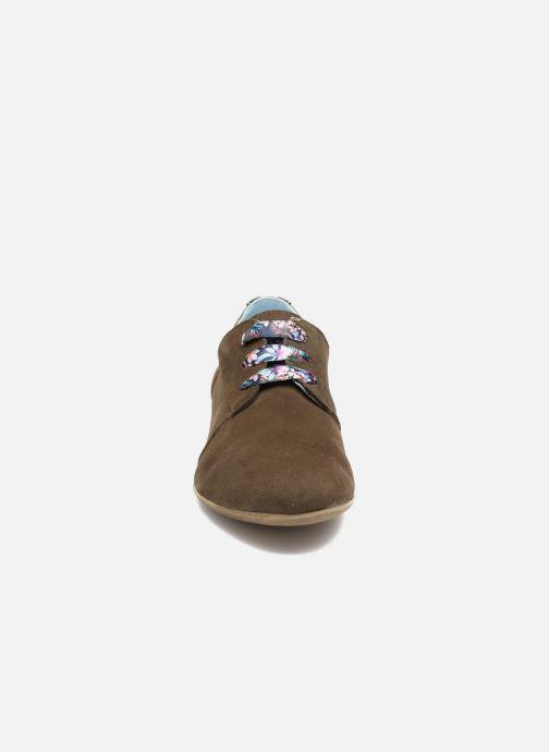 Snøresko Dorking Candy 5058 Grøn se skoene på