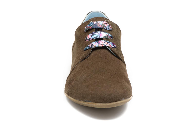 Chaussures à lacets Dorking Candy 5058 Vert vue portées chaussures