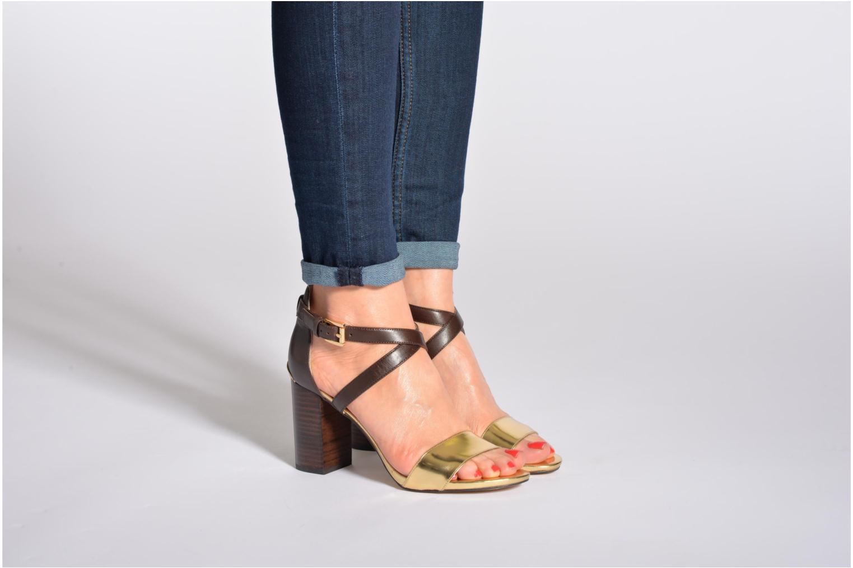 Sandalen Michael Michael Kors Nadja Cross Strap braun ansicht von unten / tasche getragen