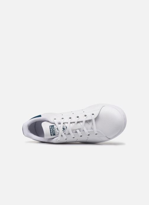 Trainers adidas originals STAN SMITH J White view from the left