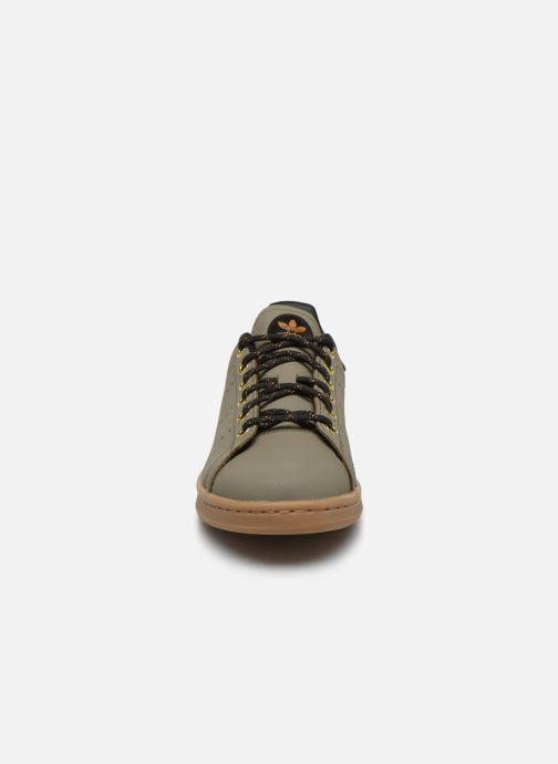 Baskets adidas originals STAN SMITH J Vert vue portées chaussures