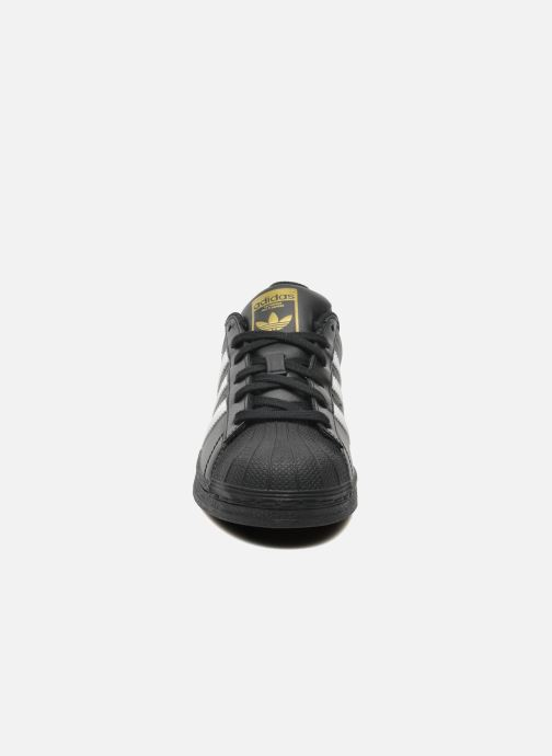Baskets adidas originals Superstar Foundation J Noir vue portées chaussures