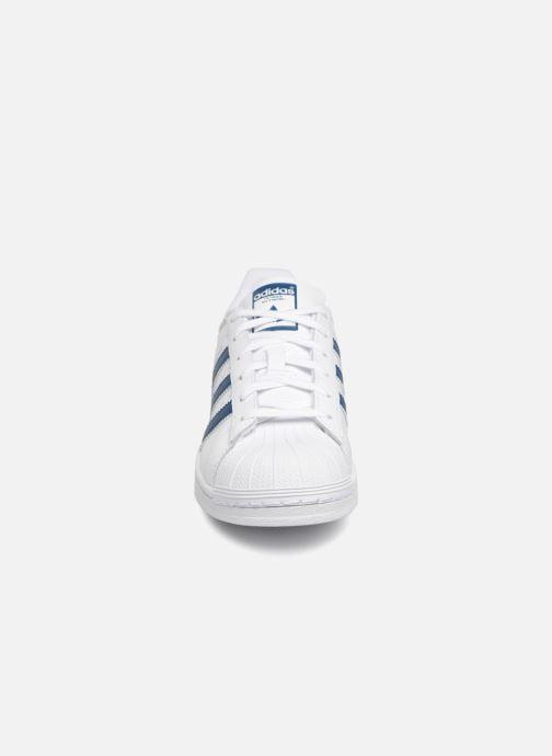 Baskets adidas originals SUPERSTAR J Blanc vue portées chaussures