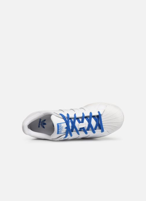 Trainers adidas originals SUPERSTAR J White view from the left