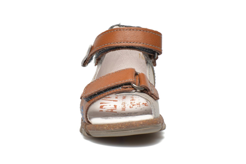 Sandales et nu-pieds Babybotte TONKA Gris vue portées chaussures