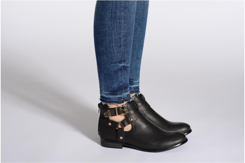 Bottines et boots Divine Factory Akruks Beige vue bas / vue portée sac