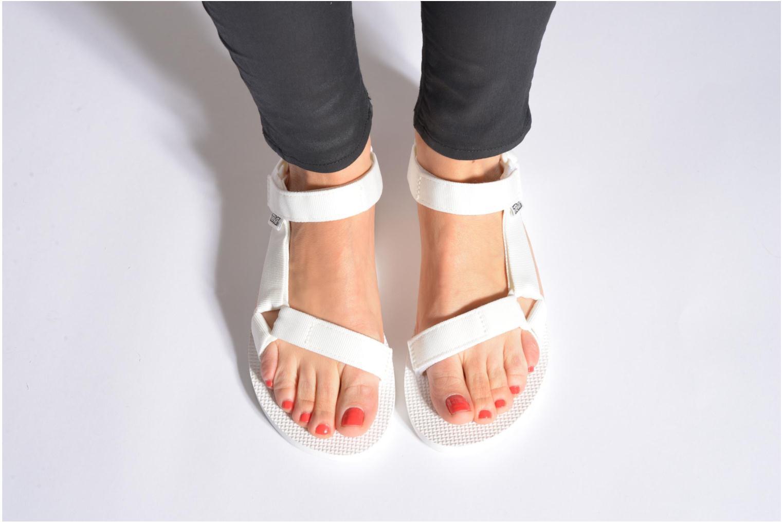 Sandalen Teva Original universal W weiß ansicht von unten / tasche getragen