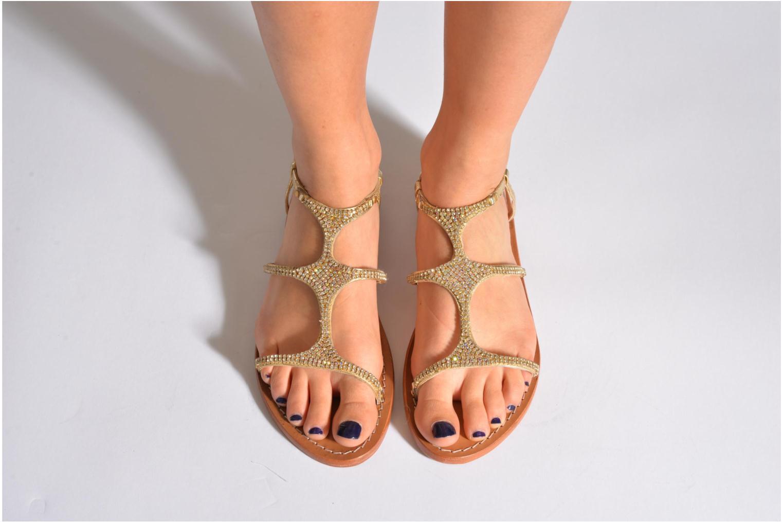 Sandales et nu-pieds Les Tropéziennes par M Belarbi Louise Or et bronze vue bas / vue portée sac
