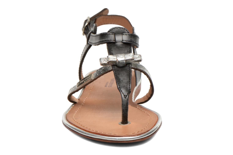 Sandali e scarpe aperte Les Tropéziennes par M Belarbi Bantou Nero modello indossato