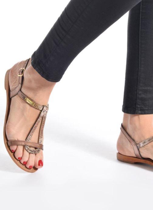 Sandalen Les Tropéziennes par M Belarbi Hamat silber ansicht von unten / tasche getragen