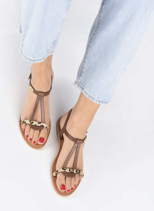 Sandalen Les Tropéziennes par M Belarbi Hamat braun ansicht von unten / tasche getragen