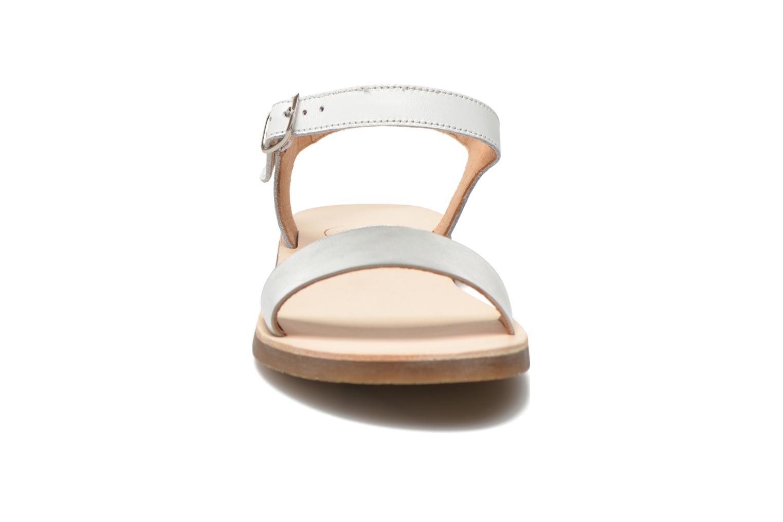 Sandales et nu-pieds Yep Biarritz Blanc vue portées chaussures