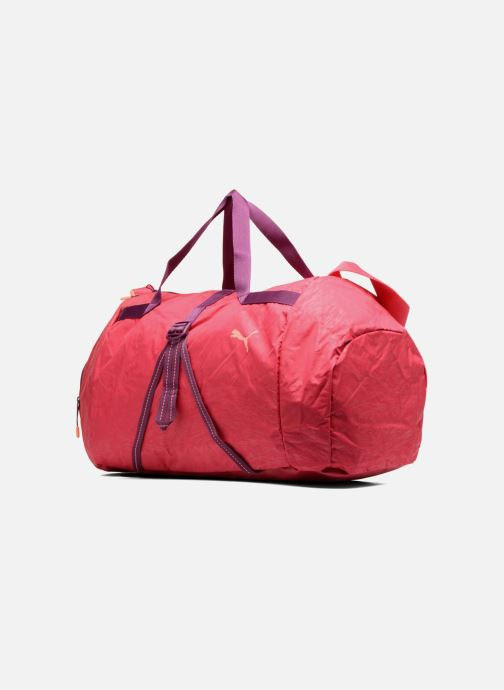 Borsa da palestra Puma Fit AT Sports Duffle Rosa modello indossato