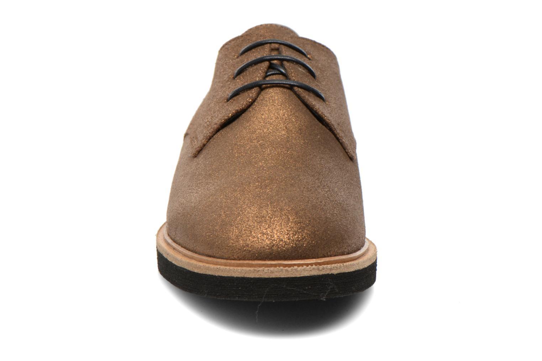 Chaussures à lacets Schmoove Woman Malice Derby Or et bronze vue portées chaussures