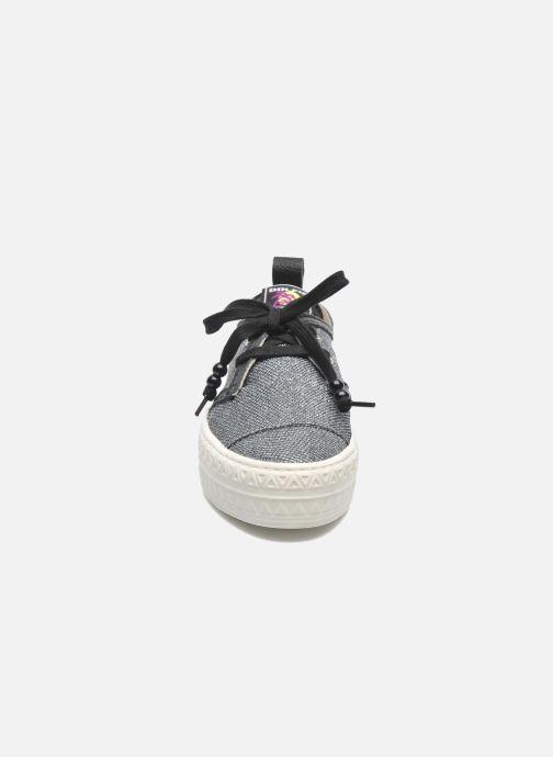 Sneakers Dolfie Devon Argento modello indossato