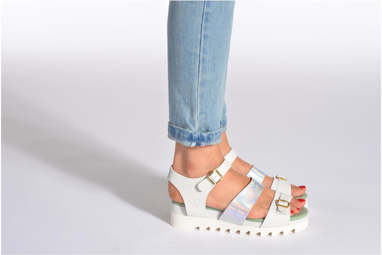 Sandales et nu-pieds Dolfie Nina Blanc vue bas / vue portée sac