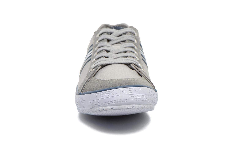 Baskets TBS Tornad Gris vue portées chaussures