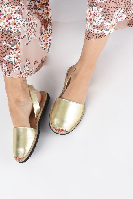 Sandales et nu-pieds Minorquines Avarca Or et bronze vue bas / vue portée sac