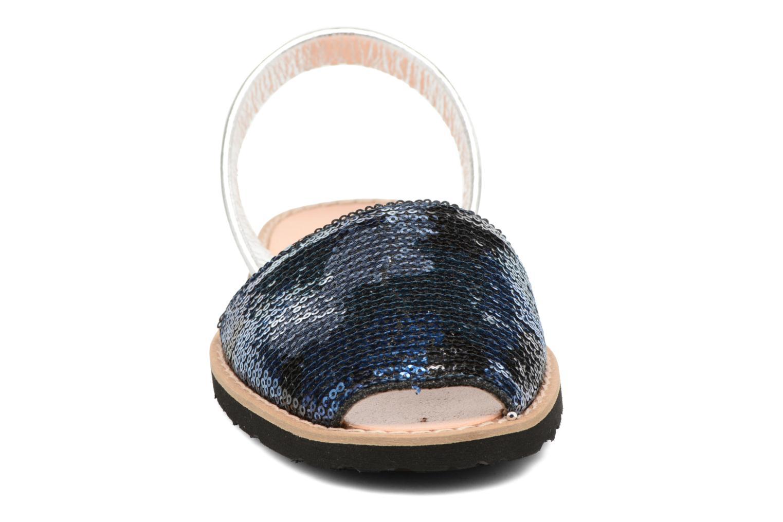 Sandalias MINORQUINES Avarca Azul vista del modelo