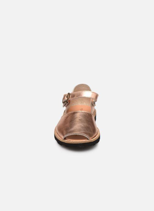 Sandalias MINORQUINES Frailera Oro y bronce vista del modelo