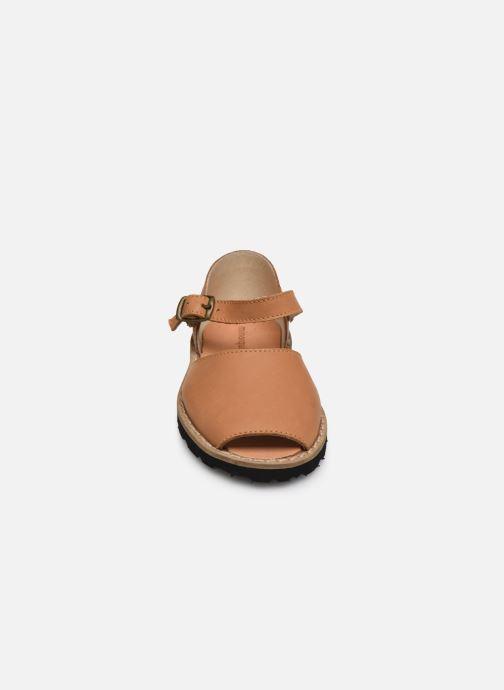 Sandales et nu-pieds MINORQUINES Frailera Marron vue portées chaussures