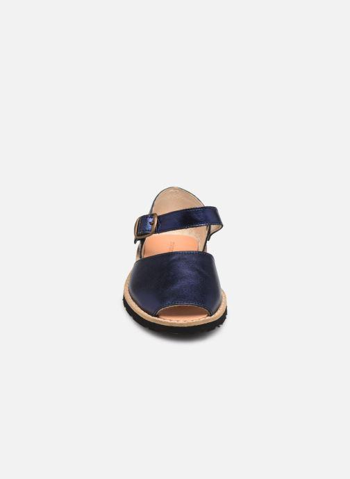 Sandali e scarpe aperte Minorquines Frailera Argento modello indossato