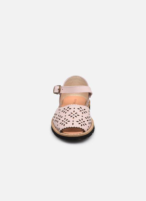 Sandali e scarpe aperte Minorquines Frailera Rosa modello indossato