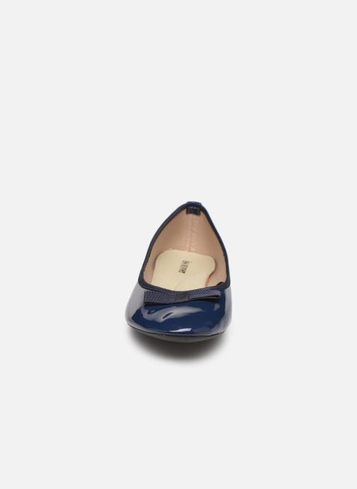 Ballerines Isotoner Ballerine Vernie Bleu vue portées chaussures