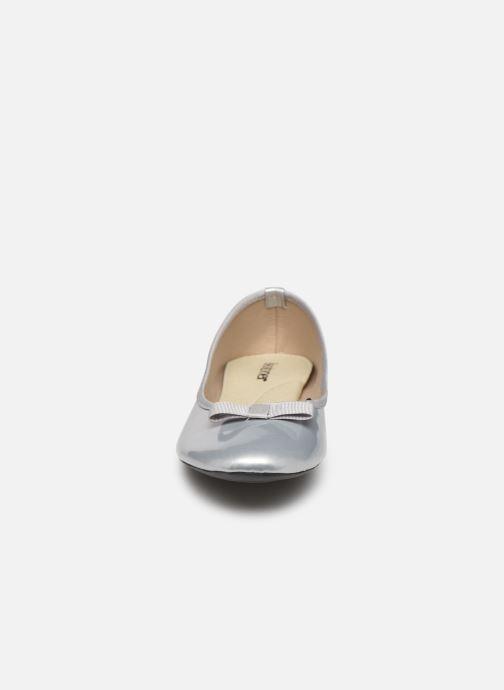 Ballerines Isotoner Ballerine Vernie Argent vue portées chaussures