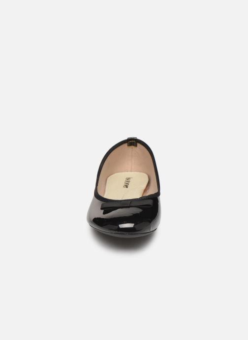 Ballerines Isotoner Ballerine Vernie Noir vue portées chaussures