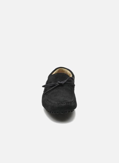 Slipper Kost Tapalo schwarz schuhe getragen