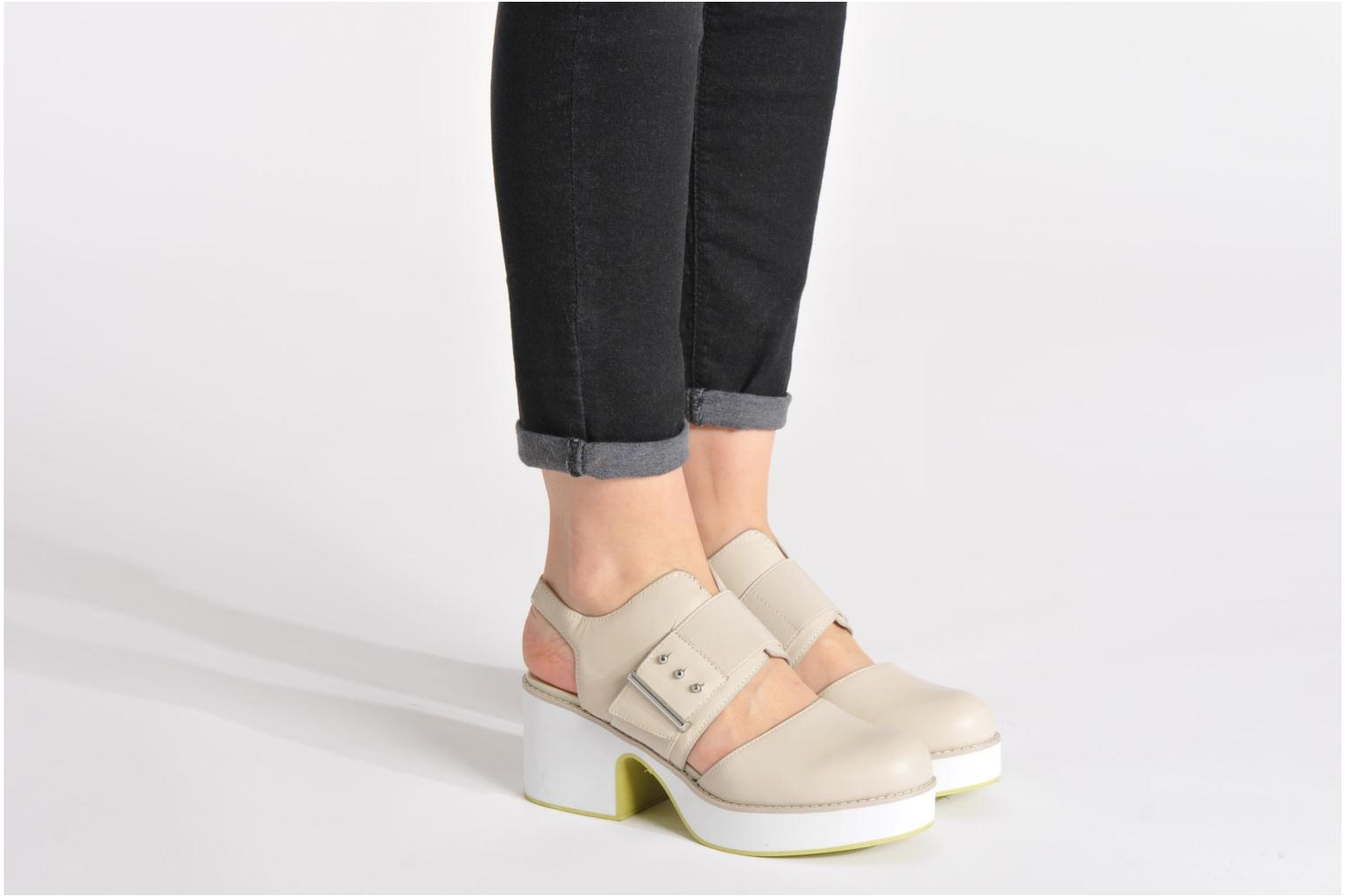 Sandals Shellys London Costain Beige view from underneath / model view