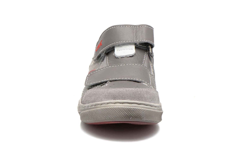 Chaussures à scratch Little Mary SALVATORE Gris vue portées chaussures