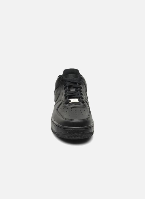 Sneakers Nike Wmns Air Force 1 '07 Nero modello indossato