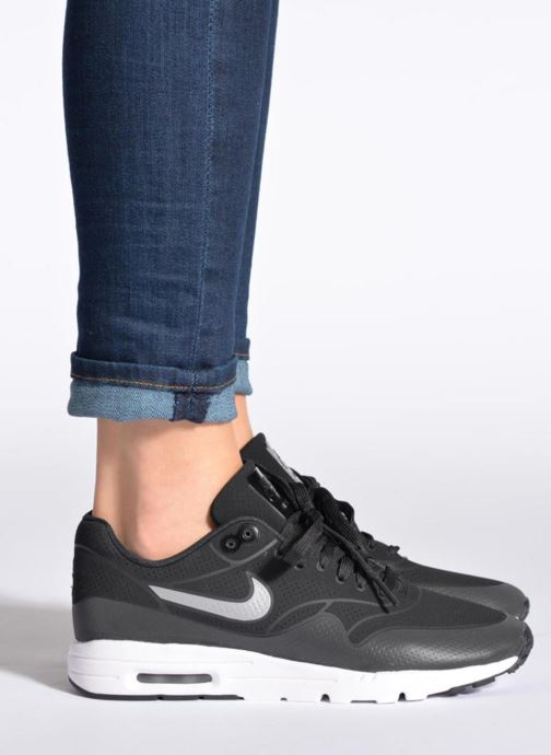 Sneakers Nike Wmns Air Max 1 Ultra Moire Nero immagine dal basso