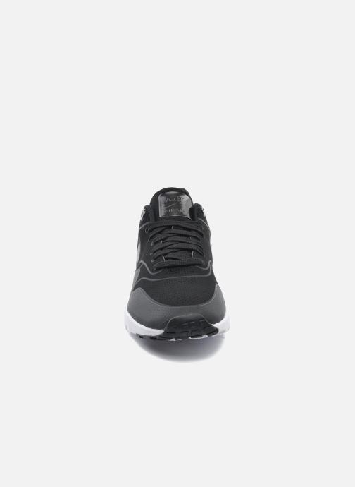 Sneakers Nike Wmns Air Max 1 Ultra Moire Nero modello indossato
