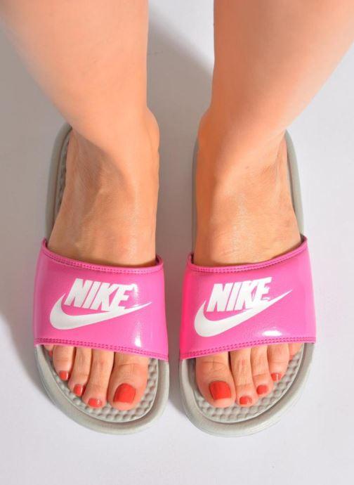 Zuecos Nike Wmns Benassi Jdi Negro vista de abajo