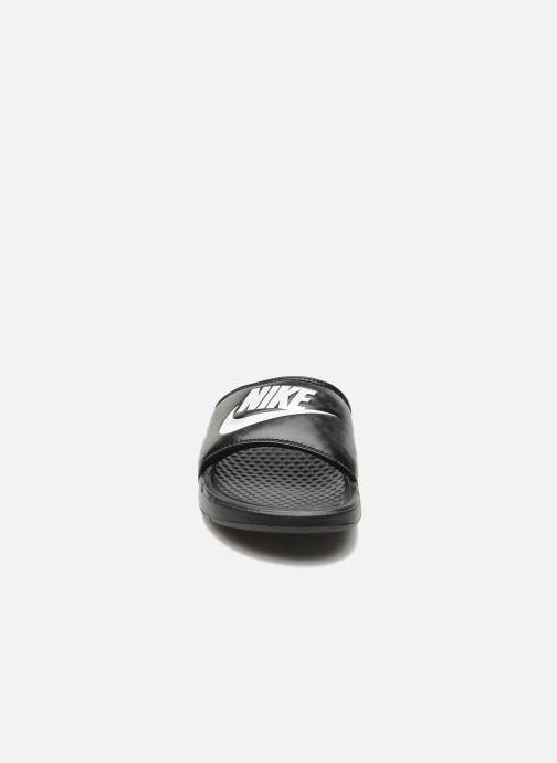 Zuecos Nike Wmns Benassi Jdi Negro vista del modelo