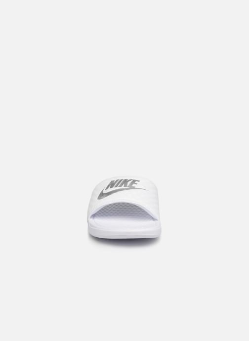 Zoccoli Nike Wmns Benassi Jdi Bianco modello indossato