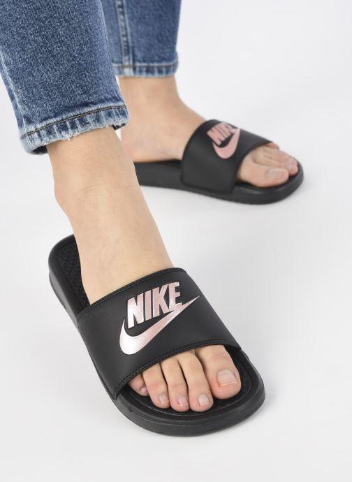Mules et sabots Nike Wmns Benassi Jdi Noir vue bas / vue portée sac