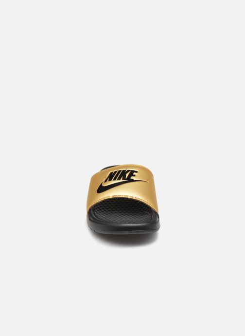 Mules et sabots Nike Wmns Benassi Jdi Or et bronze vue portées chaussures