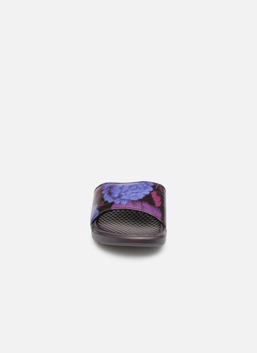 Mules et sabots Nike Wmns Benassi Jdi Print Violet vue portées chaussures