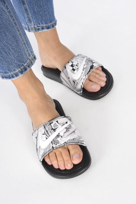 Clogs & Pantoletten Nike Wmns Benassi Jdi Print schwarz ansicht von unten / tasche getragen